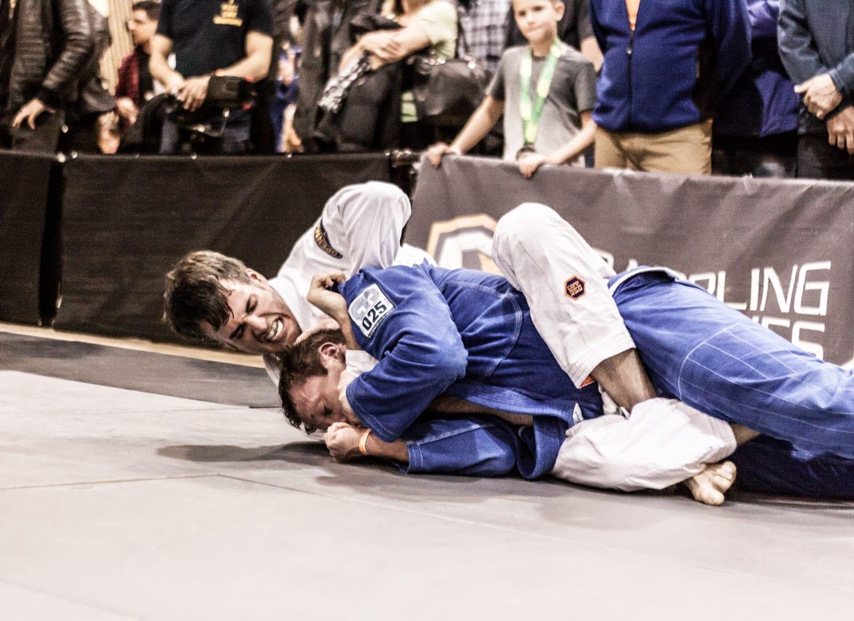 an image of an openmat mma brazilian jiu-jitsu competitor during a match